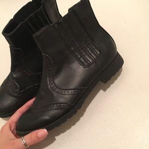 H&M Oxford booties